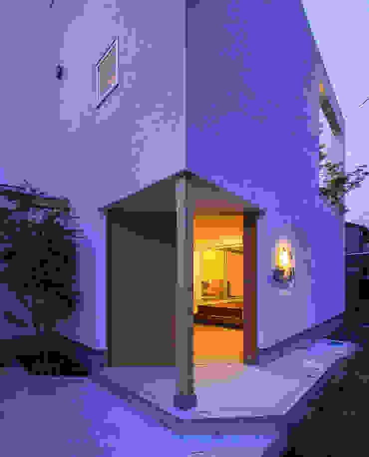 Rumah Modern Oleh プラスアトリエ一級建築士事務所 Modern