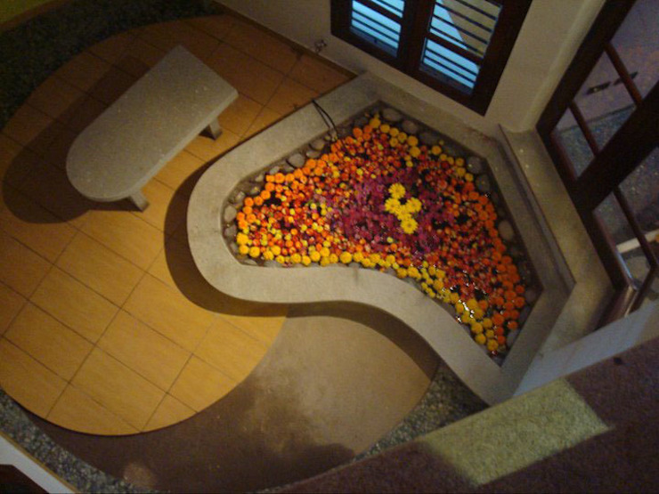 RESIDENCE FOR DR.GOPU & DR.SHANTHI Modern walls & floors by Muraliarchitects Modern