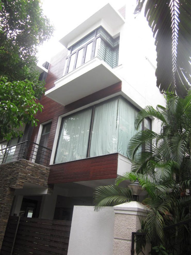VIJAYA RESIDENTIAL APPARTMENTS Modern windows & doors by Muraliarchitects Modern