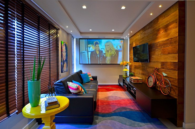 Modern Media Room by Juliana Baumhardt Arquitetura Modern