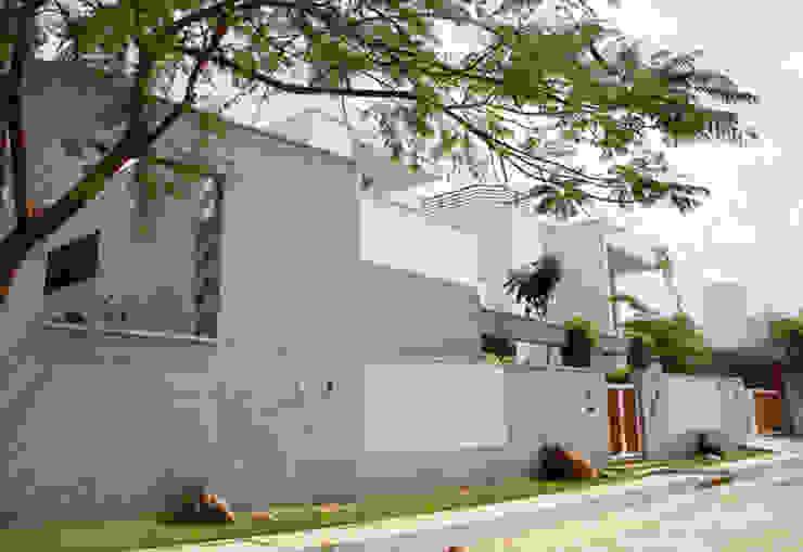 Casas estilo moderno: ideas, arquitectura e imágenes de Muraliarchitects Moderno
