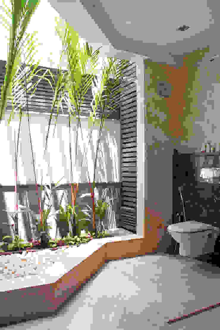 Baños de estilo moderno de Muraliarchitects Moderno