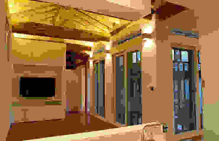거실: 라이프인스탈로의  거실,모던