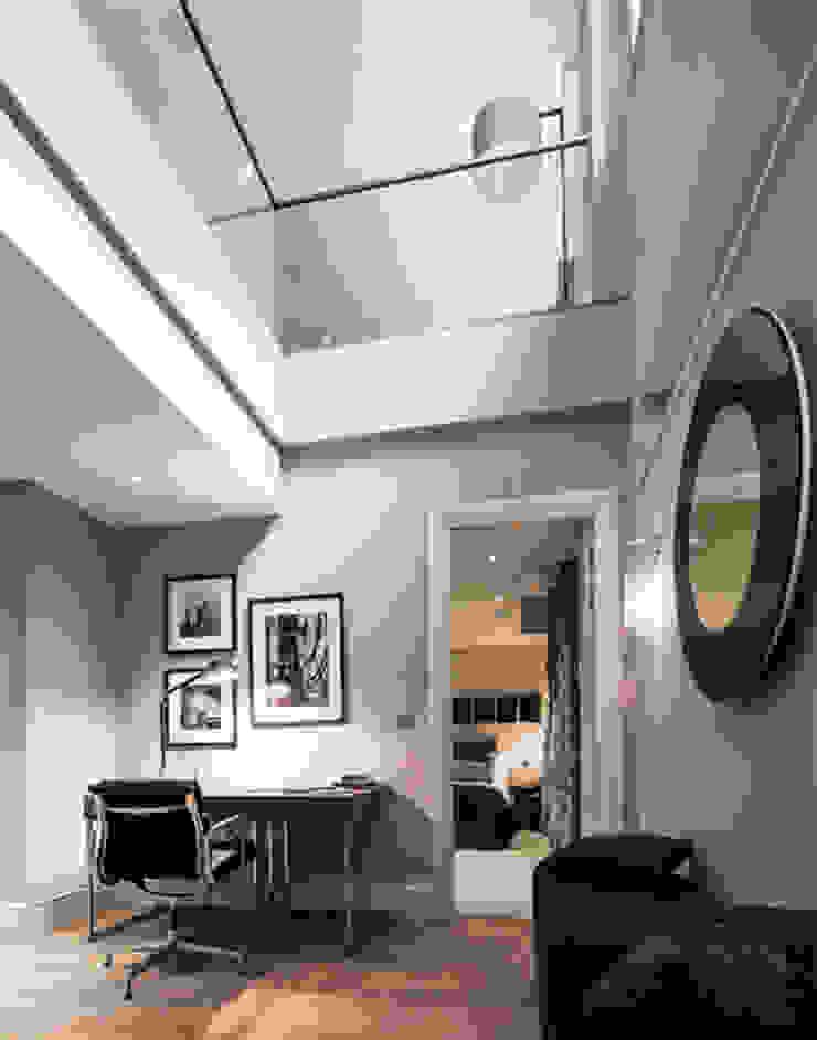 Leman Street Salas de estar modernas por The Manser Practice Architects + Designers Moderno