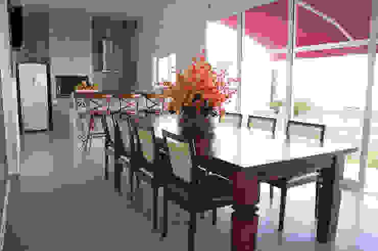 CASA RA Cozinhas modernas por DIOGO RIBEIRO arquitetura Moderno