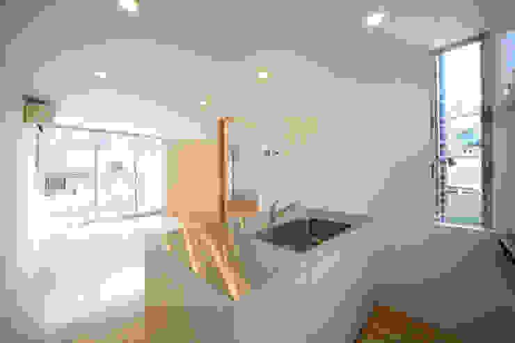 Cocinas de estilo minimalista de Spell Design Works Minimalista