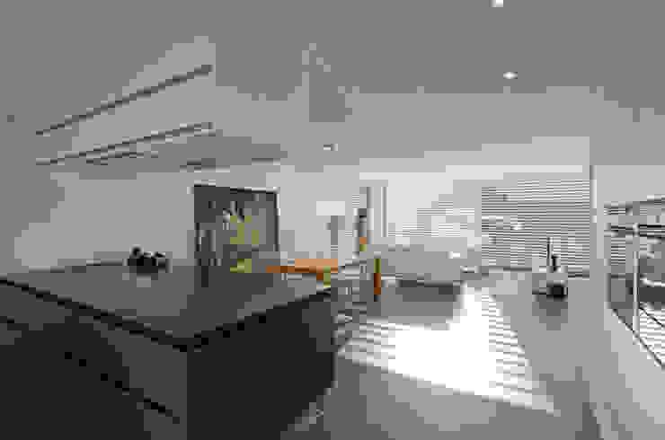 Einfamilienhaus im Schweizer Mittelland Moderne Esszimmer von Unica Architektur AG Modern