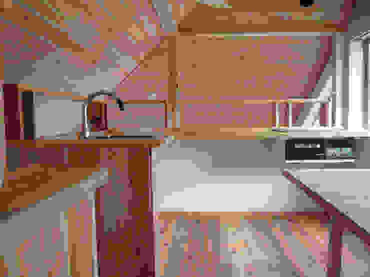 田主丸のウィークエンドハウス 北欧デザインの ダイニング の u.h architects 北欧