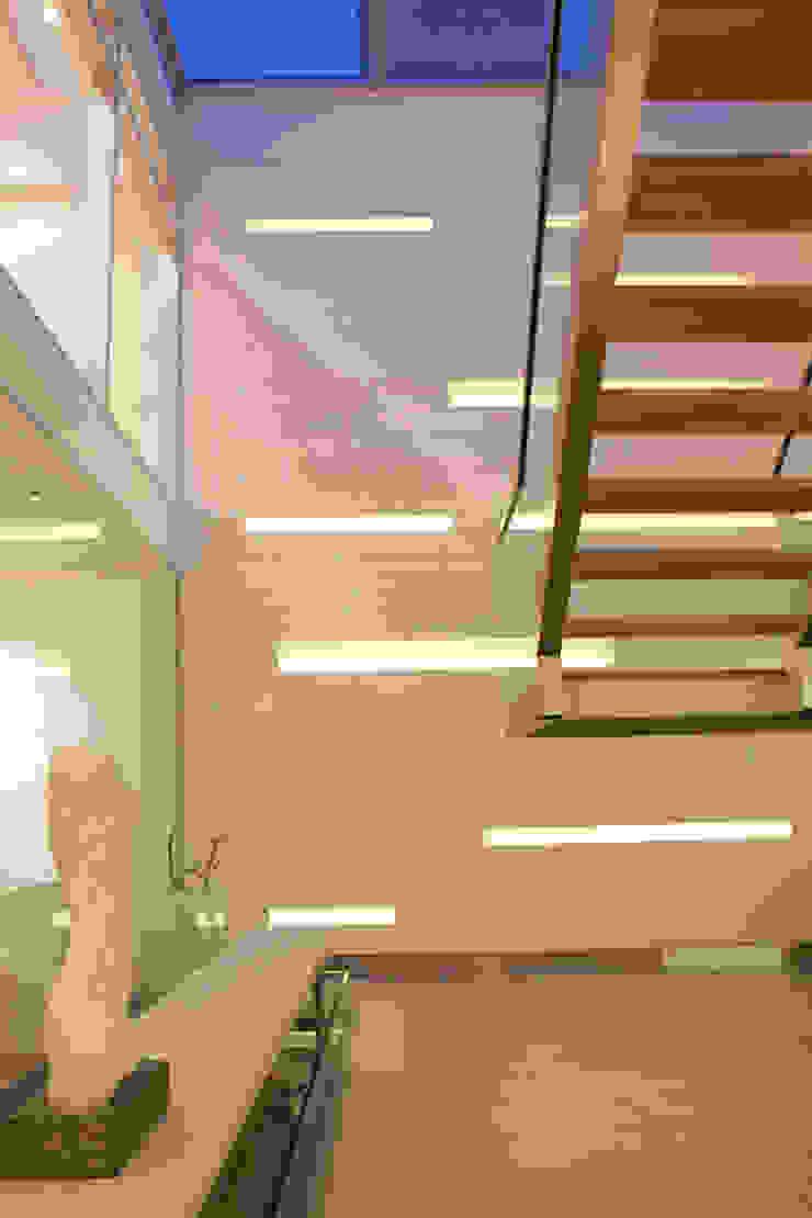 LIVE IN Corridor, hallway & stairsLighting