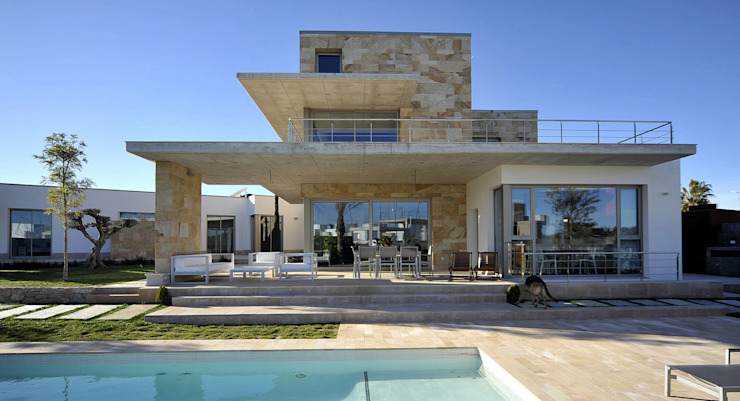 Houses by Chiarri arquitectura,