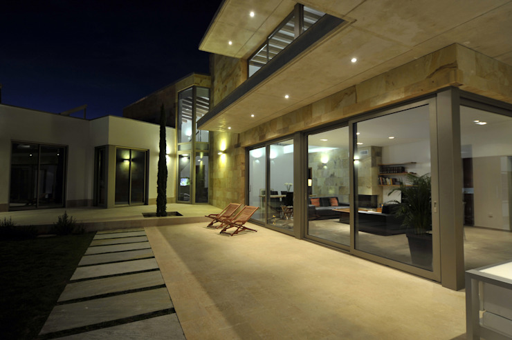 Unión de los dos cuerpos Casas modernas de Chiarri arquitectura Moderno