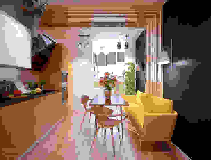 Küche von Студия интерьерного дизайна happy.design,