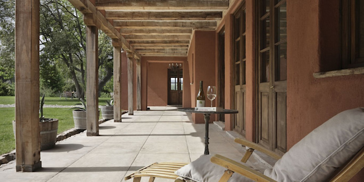 鄉村風格的走廊,走廊和樓梯 根據 Bórmida & Yanzón arquitectos 田園風