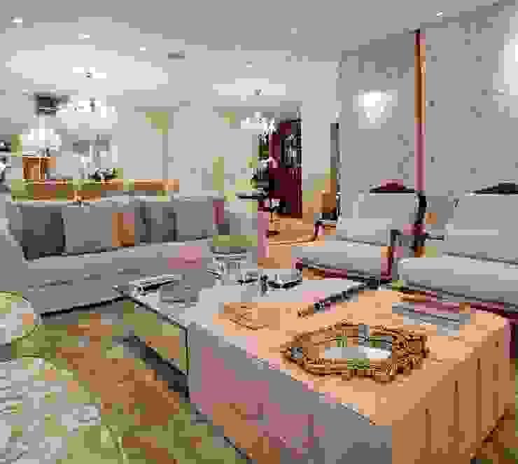 Гостиная в классическом стиле от Mariane e Marilda Baptista - Arquitetura & Interiores Классический