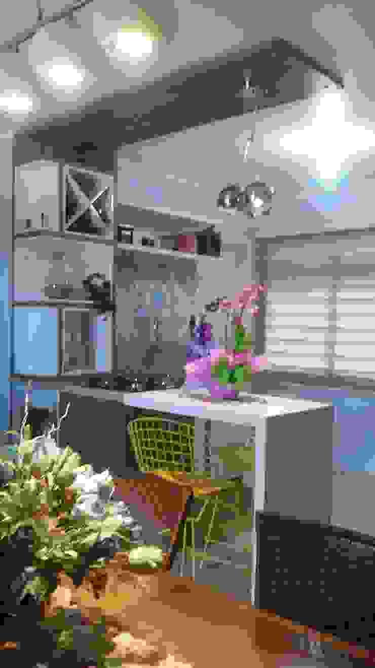 Apartamento Cozinhas ecléticas por Daiana Pasqualon Arquitetura & Lighting Eclético