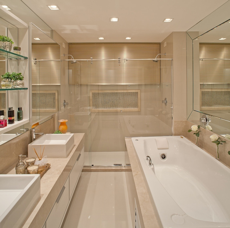 Baños de estilo  de Mariane e Marilda Baptista - Arquitetura & Interiores, Minimalista