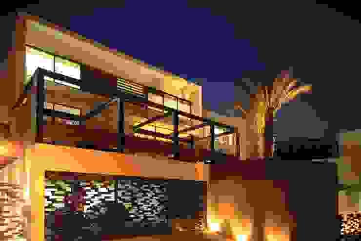 Casa CG: Casas de estilo  por GLR Arquitectos, Moderno