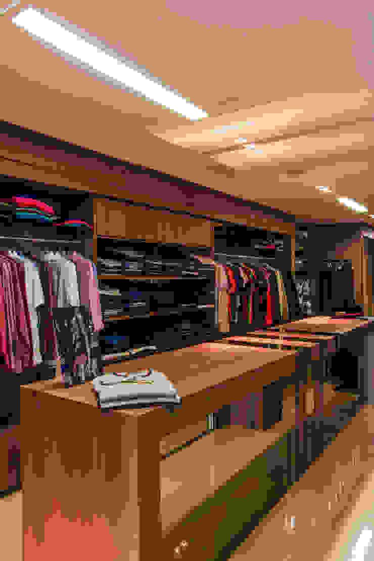 Espaço masculino Lojas & Imóveis comerciais modernos por Élcio Bianchini Projetos Moderno