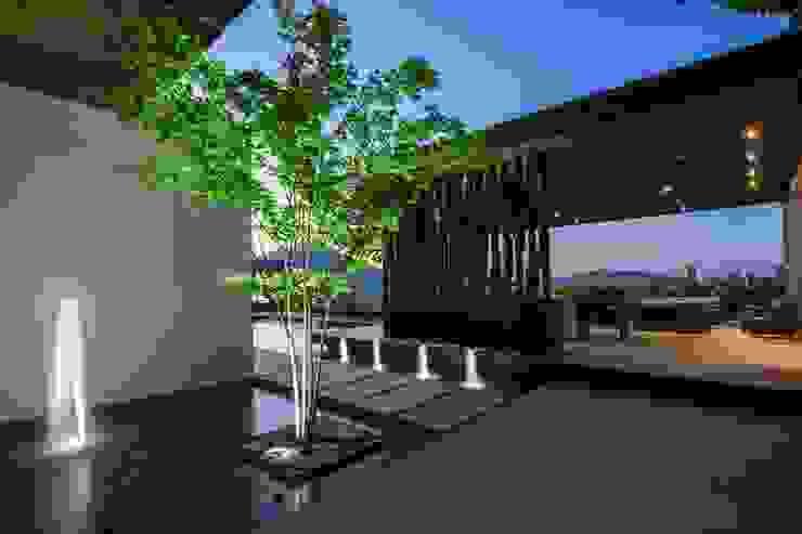 GLR Arquitectos 모던스타일 정원