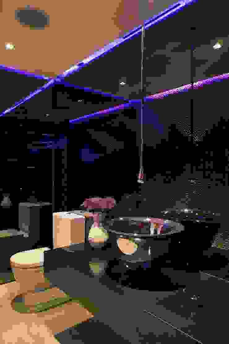 Casa BC Baños modernos de GLR Arquitectos Moderno