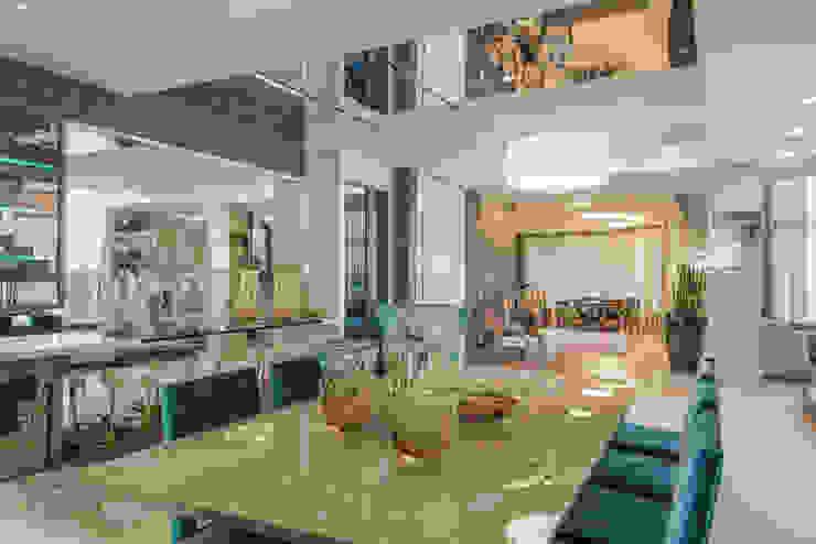 Sala de jantar de luxo Salas de jantar modernas por Élcio Bianchini Projetos Moderno
