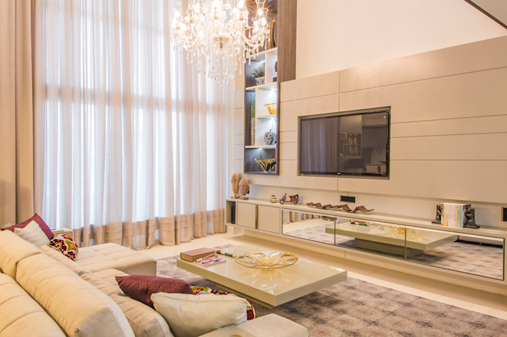 Home Salas multimídia modernas por Élcio Bianchini Projetos Moderno
