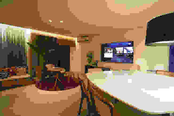 AH 1302 Salas de estar modernas por POCHE ARQUITETURA Moderno