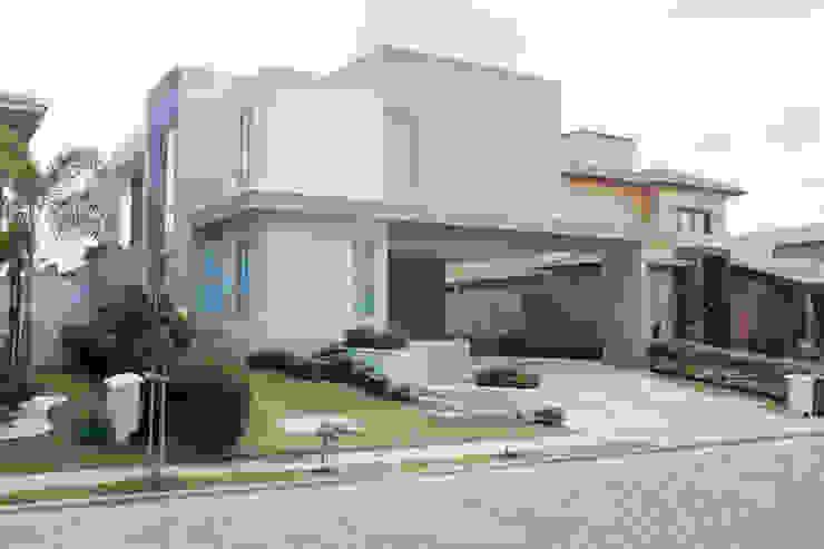 Casas estilo moderno: ideas, arquitectura e imágenes de POCHE ARQUITETURA Moderno