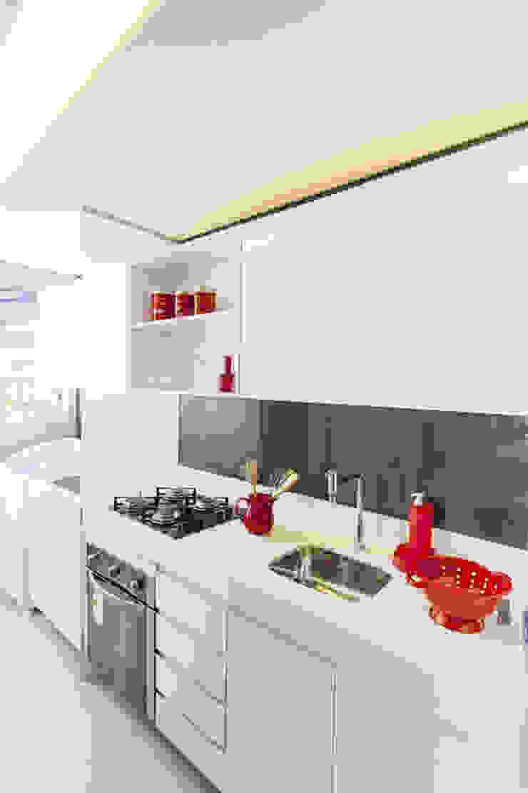 Condominio Laffite Cozinhas modernas por POCHE ARQUITETURA Moderno