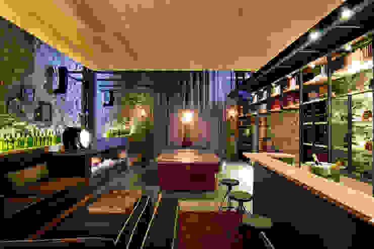Ruang Penyimpanan Wine/Anggur Gaya Eklektik Oleh Weber Arquitectos Eklektik