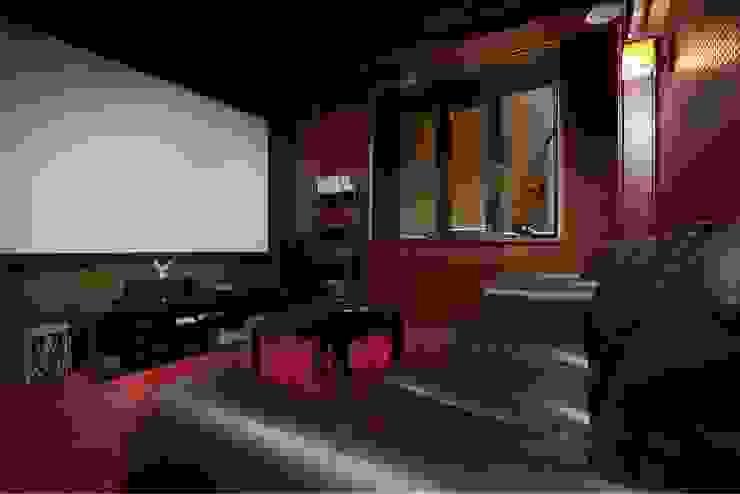 Домашний кинотеатр- студия. от Студия дизайна Ирины Комиссаровой Эклектичный