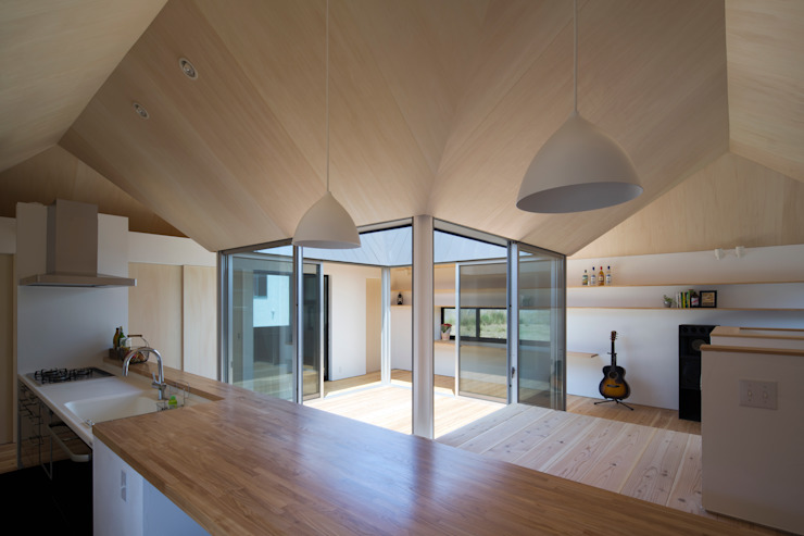 Moderne Esszimmer von 安部秀司建築設計事務所 Modern