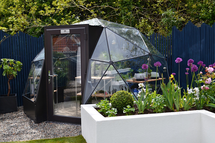 itv's Love Your Garden with Alan Titchmarsh Moderne tuinen van Solardome Industries Limited Modern