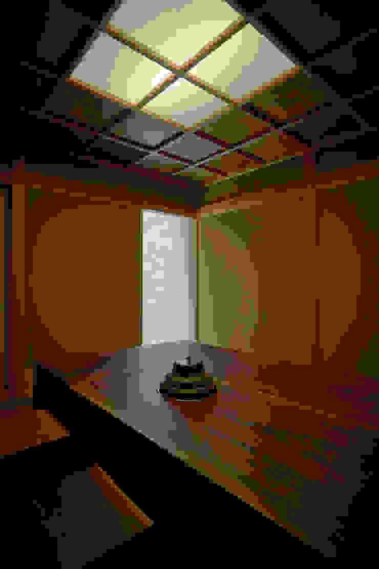 立礼席 クラシックデザインの 多目的室 の 株式会社吉川の鯰 クラシック