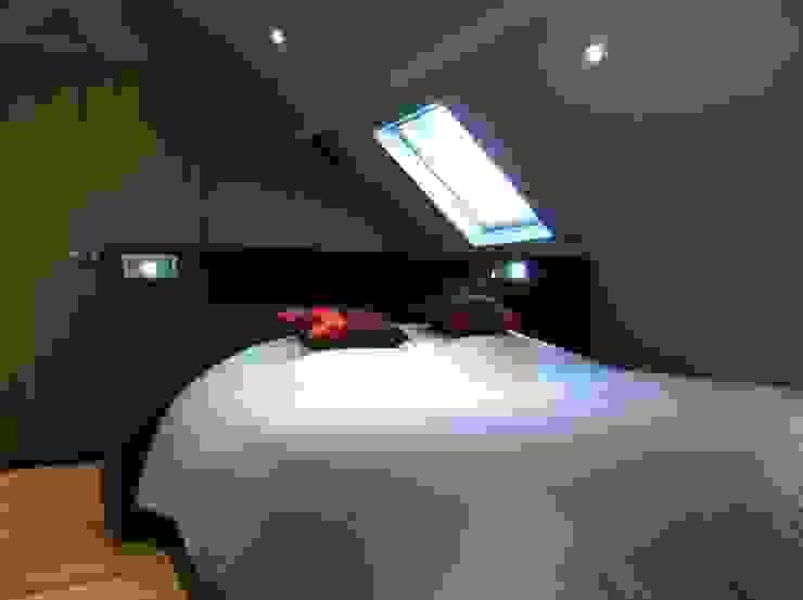 Zoom tête de lit chambre d'amis par Agence C+design - Claire Bausmayer Moderne