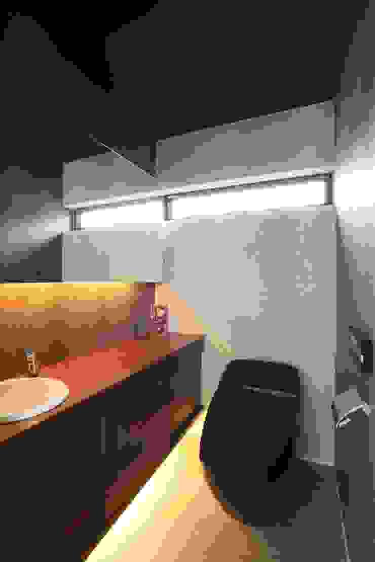 シックなサニタリースペース モダンスタイルの お風呂 の TERAJIMA ARCHITECTS モダン