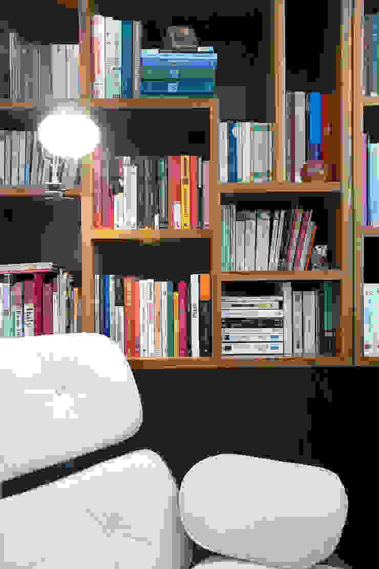 Apartamento Ministro Godói Escritórios modernos por Natalia Necco Arquitetura Moderno