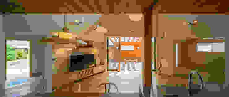 開花の家 オリジナルデザインの リビング の 梶浦博昭環境建築設計事務所 オリジナル