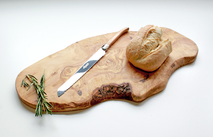 Large Rustic Olive Wood Serving Board de The Rustic Dish Rústico