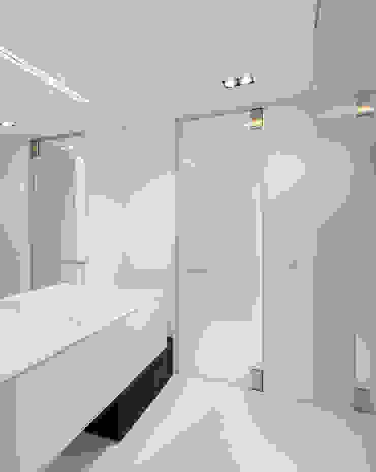 Glazen deur badkamer van Anyway Doors Modern