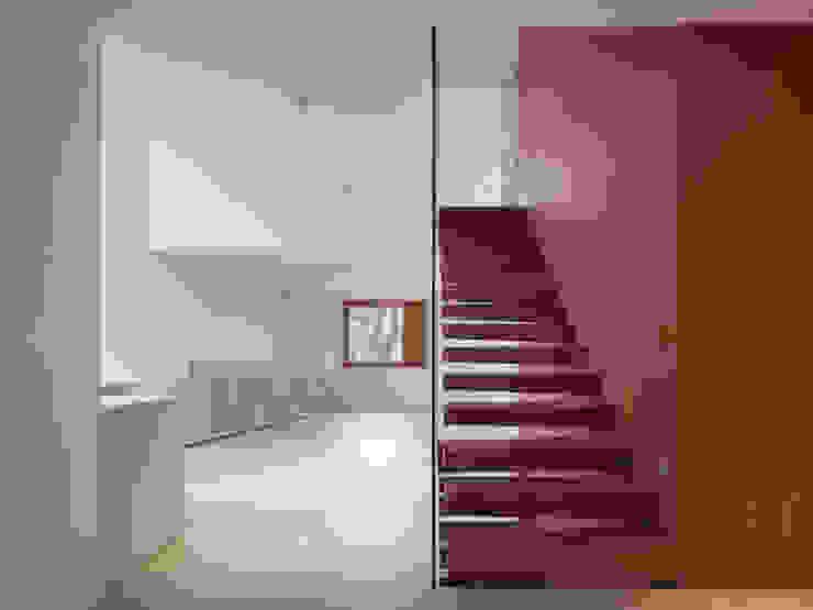 Bob Gysin + Partner BGPが手掛けた廊下 & 玄関