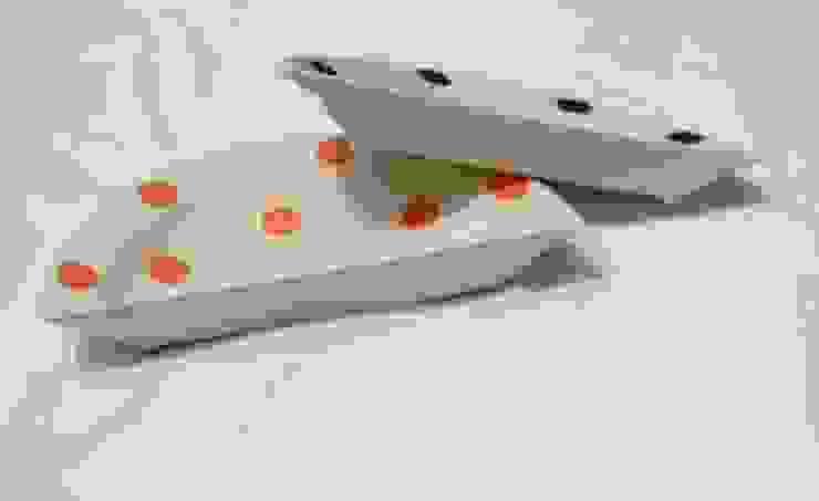 하나인듯 하나아닌 반원접시 세트: HANDCERA(핸드세라)의 현대 ,모던