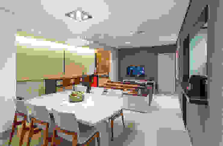 Apartamento .RF Salas de jantar modernas por Amis Arquitetura e Decoração Moderno