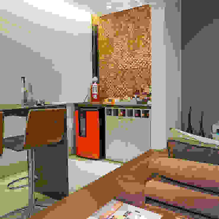 Apartamento .RF Varandas, alpendres e terraços modernos por Amis Arquitetura e Decoração Moderno