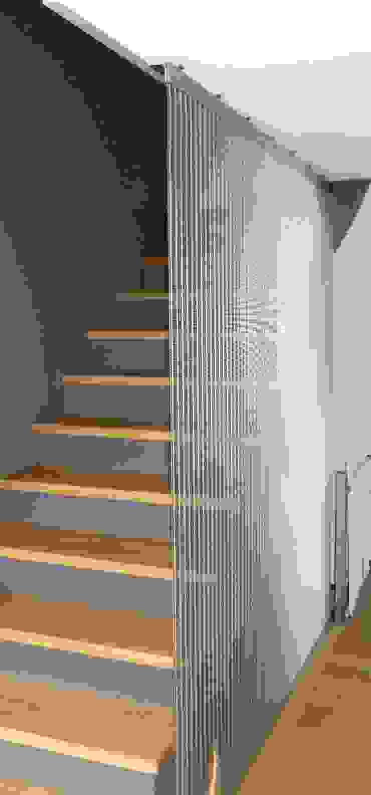Modern corridor, hallway & stairs by AESCHLIMANN ARCHITEKTEN Modern