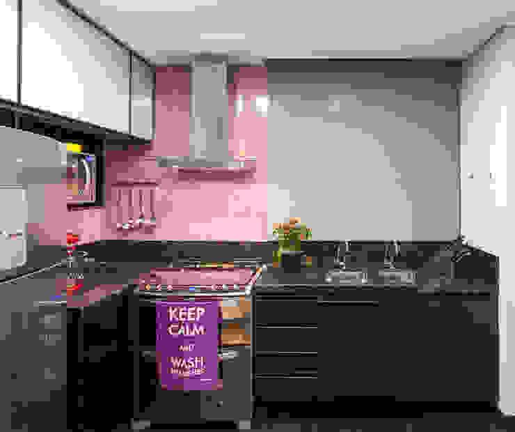 مطبخ تنفيذ Amis Arquitetura & Design