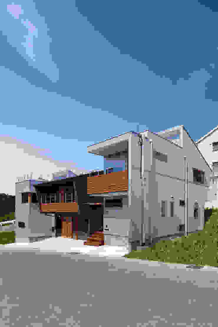 外観 モダンな 家 の 建築工房 at ease モダン