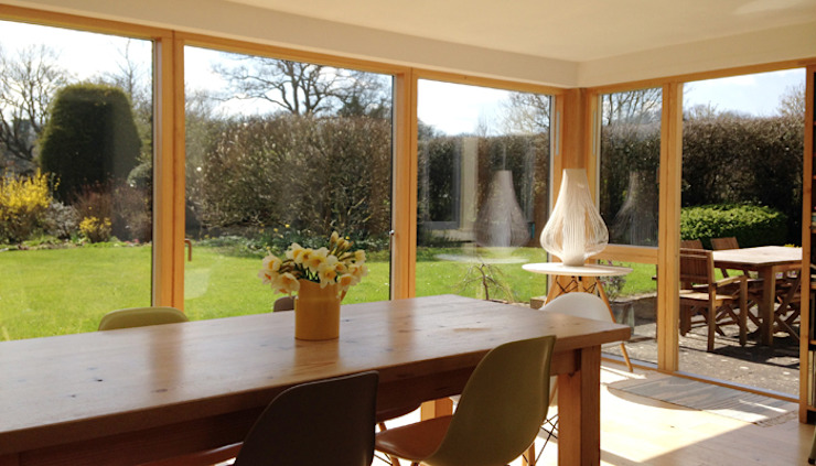 New glazed garden dining room Comedores modernos de Hetreed Ross Architects Moderno