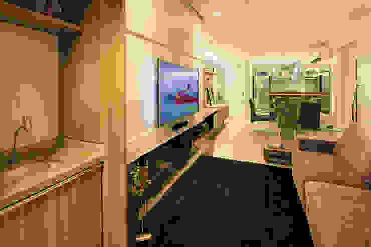 Ruang Keluarga Modern Oleh Caroline Vargas | C. Arquitetura Modern