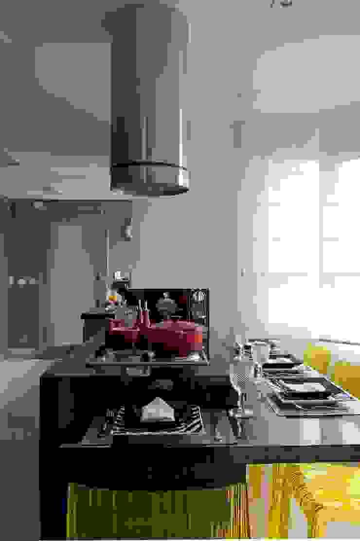 Sala de almoço Cozinhas modernas por Jamile Lima Arquitetura Moderno